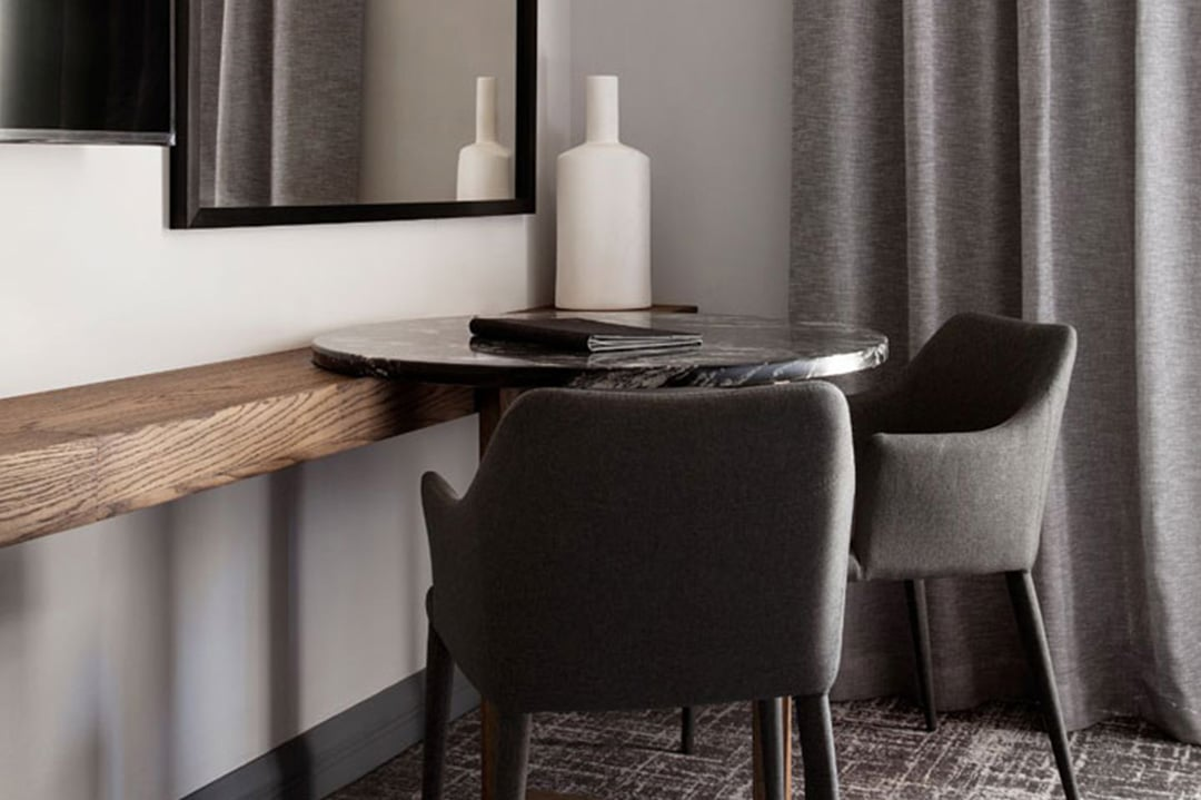 The Capital Melrose Studios Superior Table with 2 Chairs DESKTOP - The Capital Hotels & Apartments 21